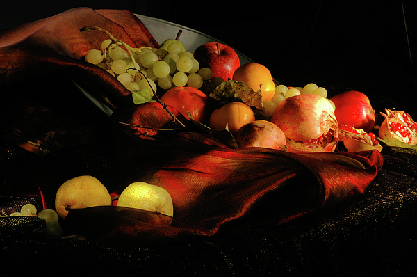 Guido Strambio - Glowing fruit 2