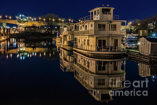 Chellie Bock - Harriet Island Houseboats