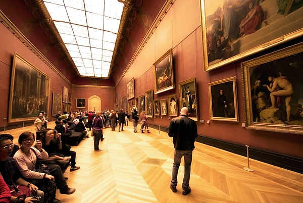 essay on the louvre museum The louvre is a museum in paris, attracting millions of visitors every year because of its art collection it is the most popular art museum in the world.