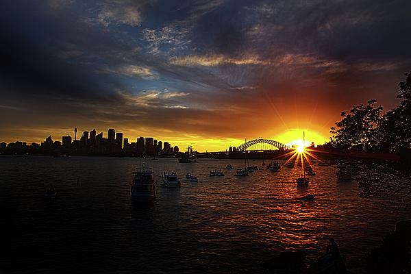 Miroslava Jurcik - Last Sun Rays In Sydney Harbour