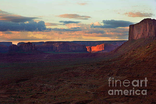 Felix Lai - Let Light Shine Out Of Darkness, Sunrise At Monument Valley