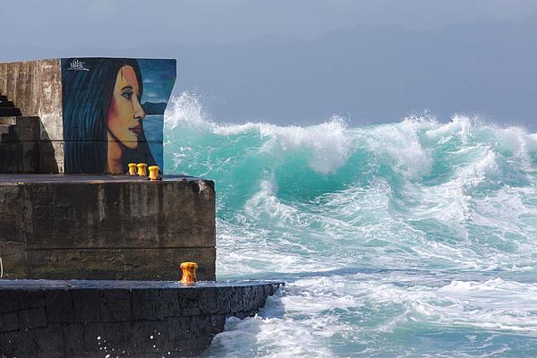 Edgar Laureano - Looking At The Sea 02