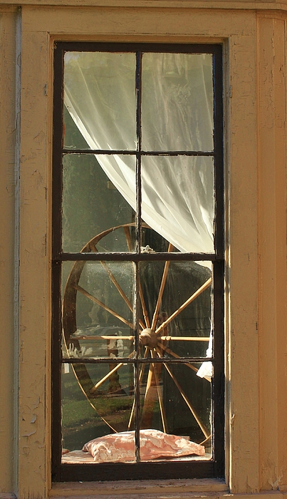 Karen Silvestri - Looking Into The Past