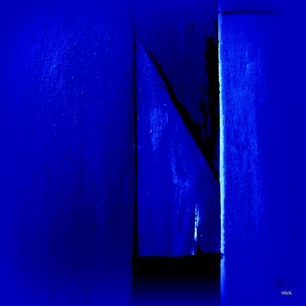 VIVA Anderson - Mitre In Blue - Abstract