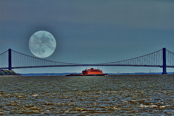 Geraldine Scull - Moon over the Hudson