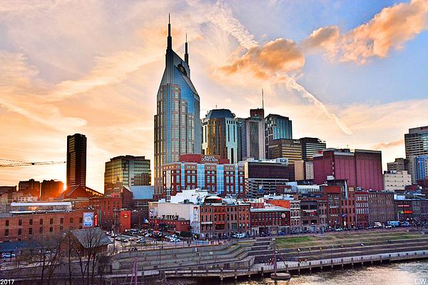 Lisa Wooten - Nashville Skyline At Sunset
