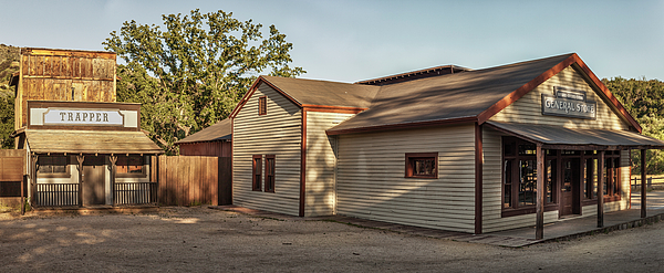 Gene Parks - Paramount Ranch Trapper And General Store - Panorama