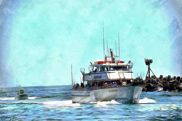 Geraldine Scull - Party boat coming in to port