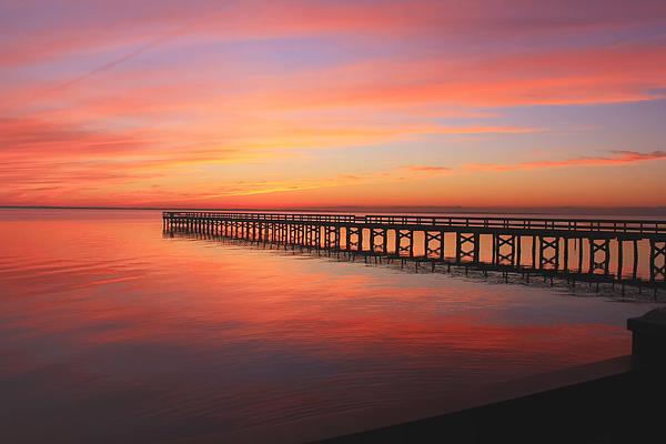 Ola Allen - Pastels at the Hilton Fishing Pier