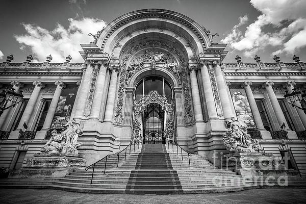 Liesl Walsh - Petit Palais Art Museum, Paris, France, Blk Wht