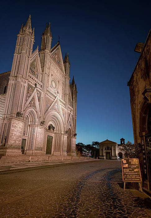 Joan Carroll - Piazza del Duomo Orvieto Italy III