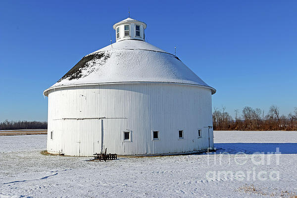 Steve Gass - Round Barn in the Snow