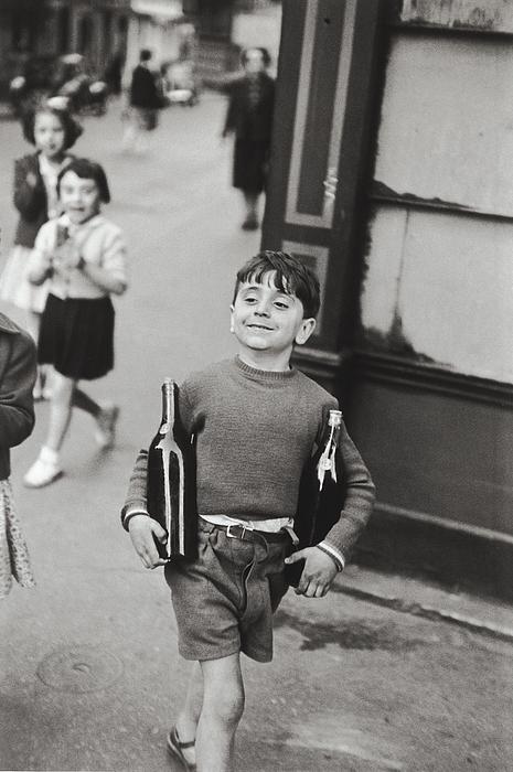 Hans Wolfgang Muller Leg - Rue Mouffetard By H. Cartier Bresson