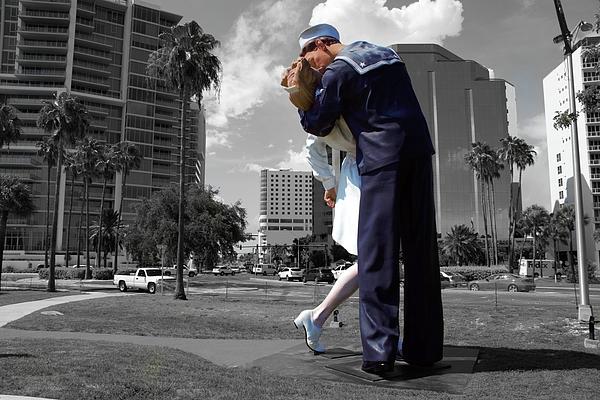 Don Columbus - Sarasota Kiss