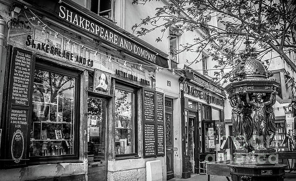Liesl Walsh - Shakespeare and Company Bookstore, Paris, Blk and Wht
