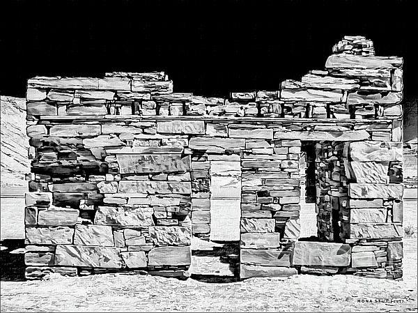 Mona Stut - Somewhere Nowhere Black White