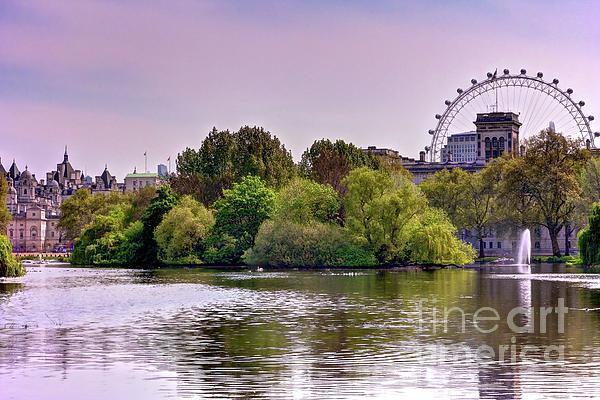 DJ MacIsaac - St. James Park - London, England