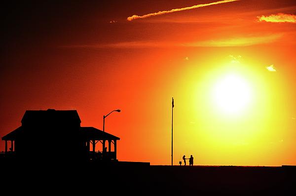 Bob Cuthbert - Summer sunrise at The Jersey Shore