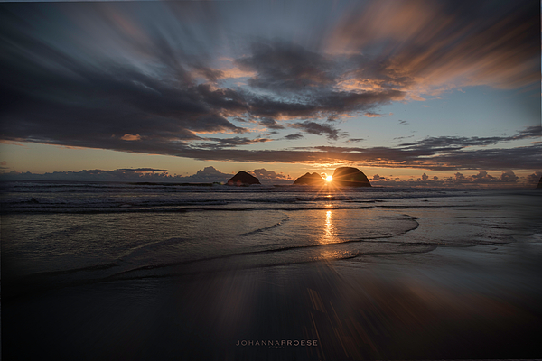 Johanna Froese - Sunset at Oceanside, Oregon