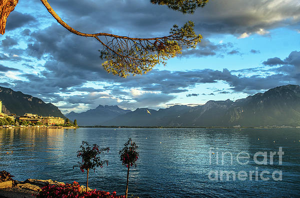 Michelle Meenawong - sunset on the lake Genea