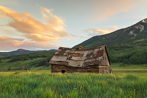 Lorraine Baum - Sunset Over An Abandoned Cabin