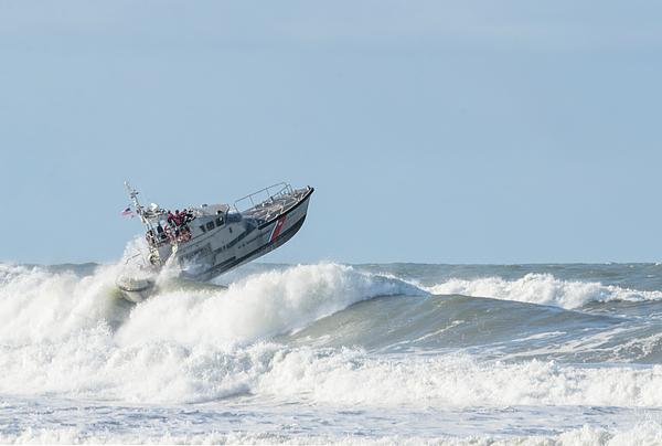 Bob VonDrachek - Surf Rescue Boat v2