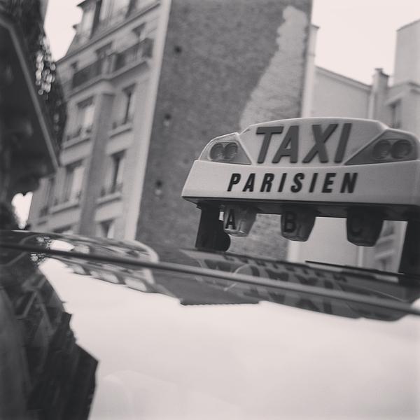 Stella Hadzis - Taxi Parisien