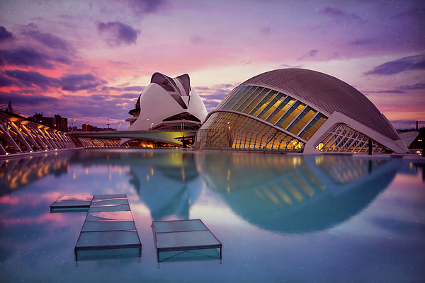 Carol Japp - The Architecture of Modern Valencia Spain