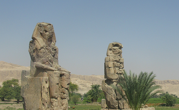 Ayman Alenany - The Clossi of Memnon, close up