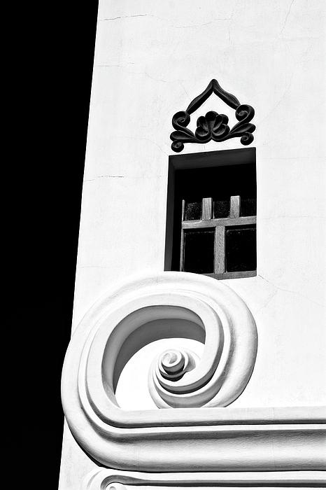 Lucinda Walter - The Window