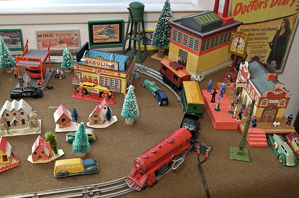 Michele Myers - Toytown - Train Set Overview