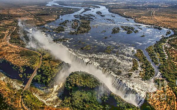 Myrna Bradshaw - Victoria Falls, The Smoke That Thunders