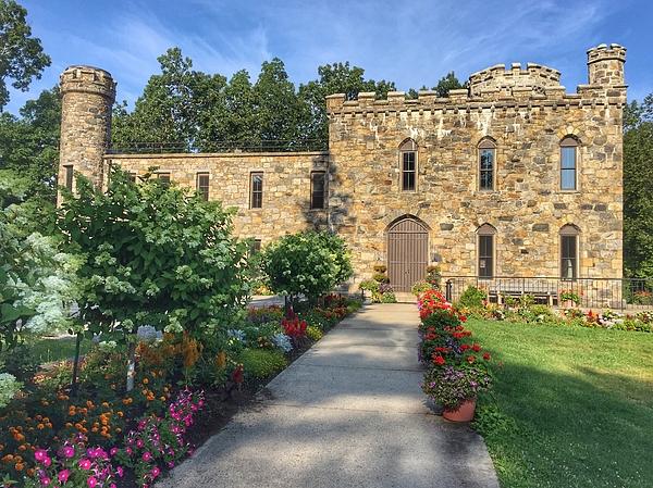 Anne Sands - Winnekenni Castle