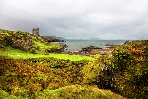 Debra and Dave Vanderlaan - The Gylen Castle on the Edge of the Isle of Kerrera