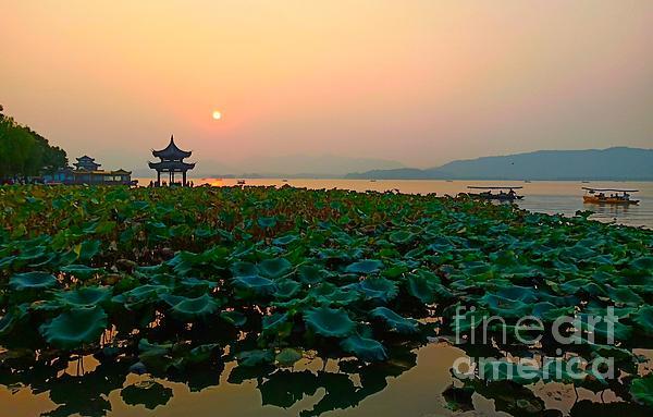 Xueping Zhang - West Lake In Sunset