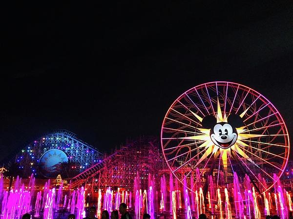 Nel Wickes - Land of Mickey