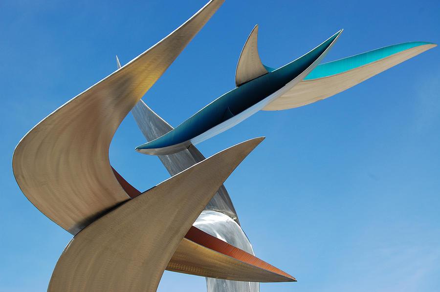 detail of Birds Sculpture by David Tonnesen