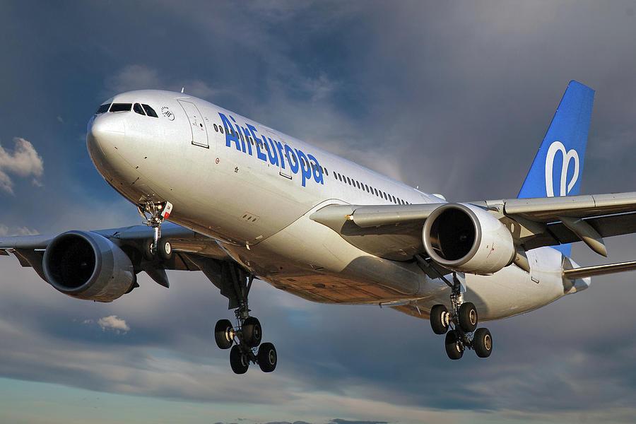 Air Europa Photograph - Air Europa Airbus A330-202 by Smart Aviation