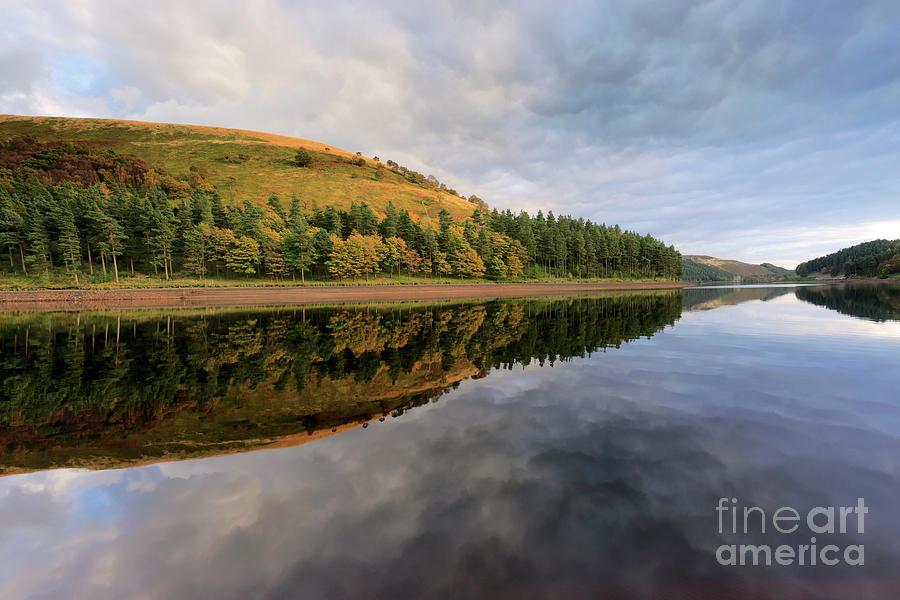 Autumn Photograph - Autumn Derwent Reservoir Derbyshire Peak District by Dave Porter
