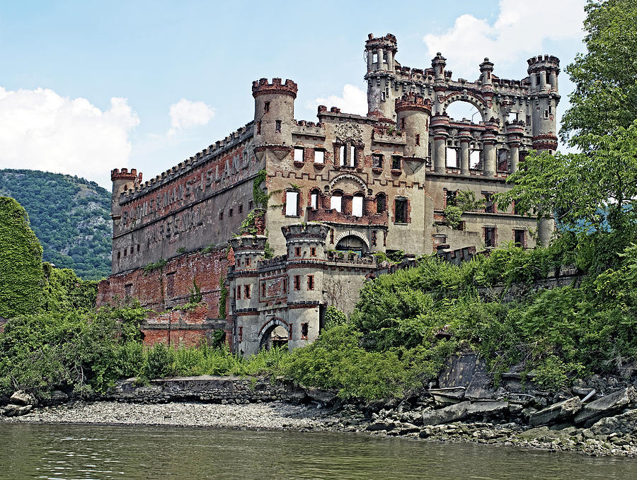 Bannerman Photograph - Bannerman Castle On Pollepel Island In The Hudson River New York by Brendan Reals