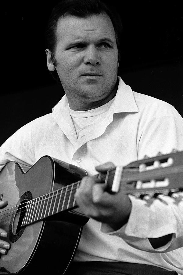 Barry Sadler With Guitar 3 Tucson Arizona 1971 Photograph by David Lee Guss