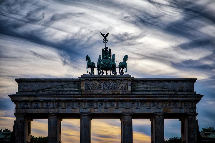 Brandenberg Gate by Ross Henton