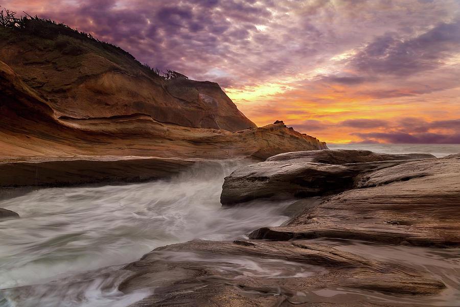 Cape Kiwanda Photograph - Cape Kiwanda Sunset by David Gn
