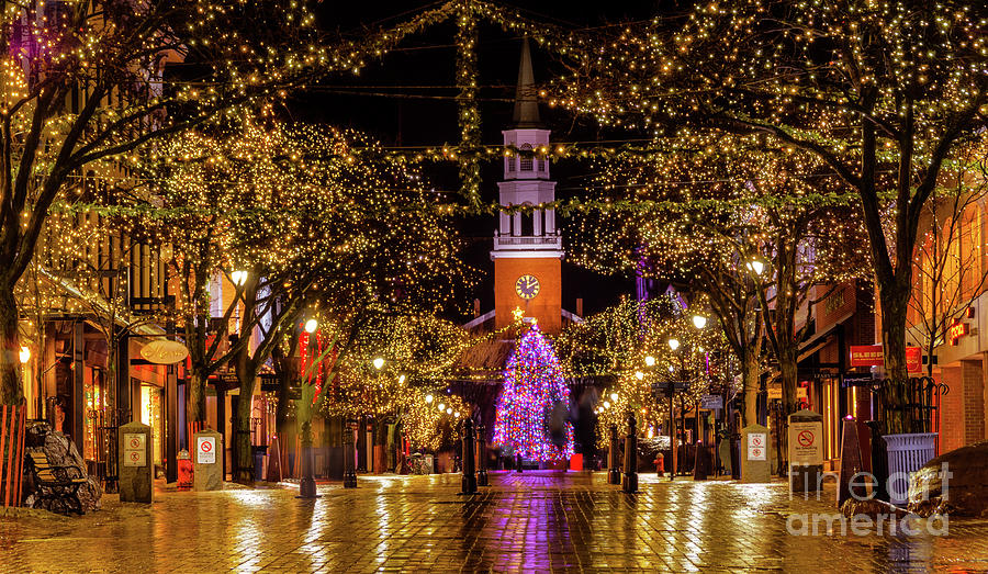 A Christmas In Vermont.Christmas On Church Street