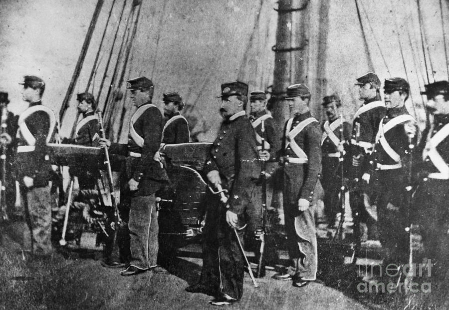 kearsarge chatrooms Css alabama was a screw sloop-of-war built in 1862 for the confederate states  navy at  never docked at a southern port she was sunk in june 1864 by uss  kearsarge at the battle of cherbourg outside the port of cherbourg, france.