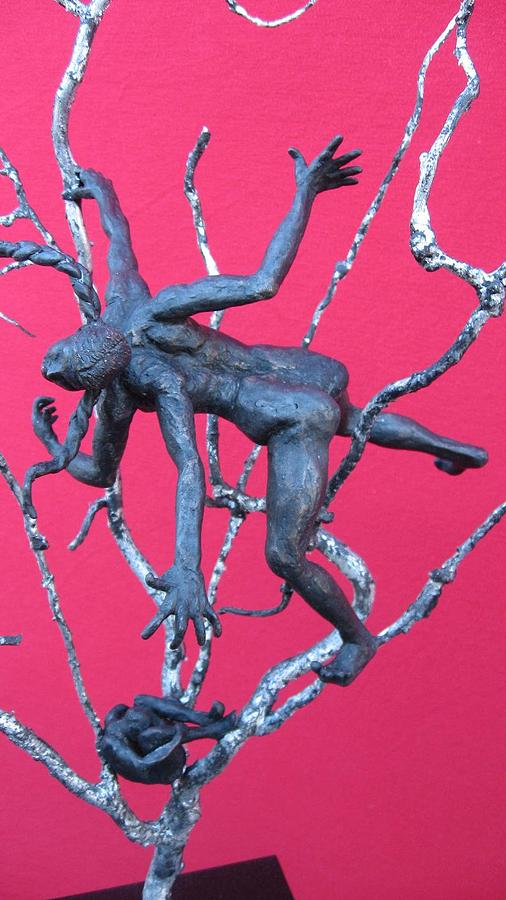 Brons Sculpture - Courting The Black Widow by Ayla Corstanje-uncu