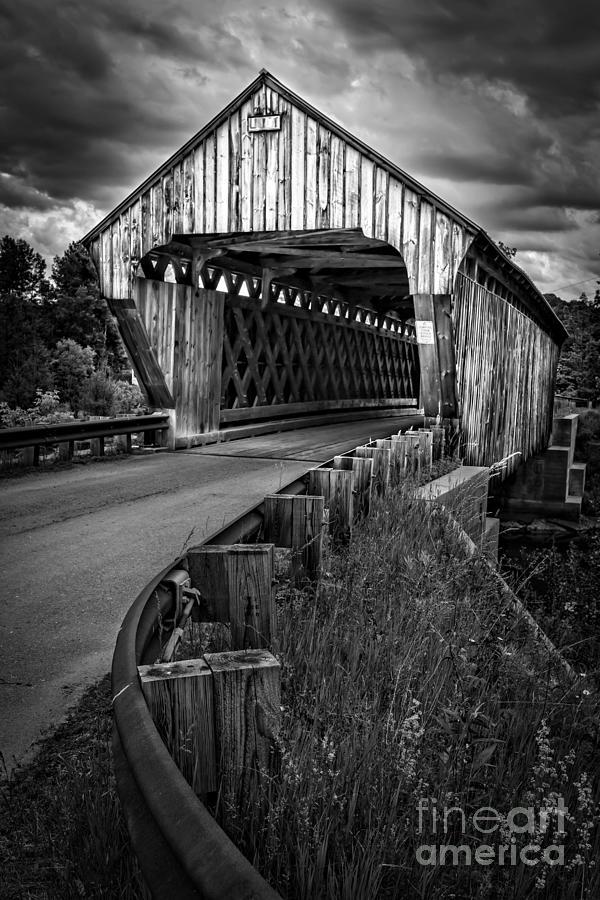 New Hampshire Photograph - Covered Bridge Willard West Twin Hartland Vermont by Edward Fielding