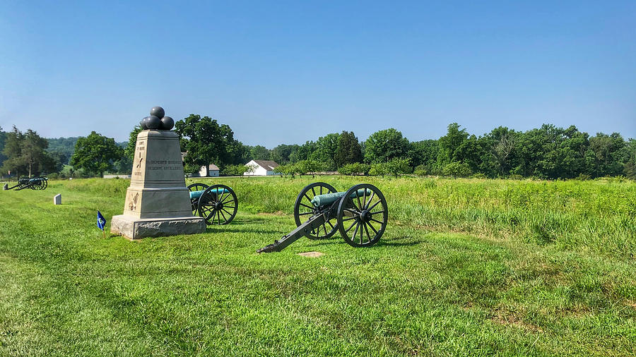 Gettysburg Battlefield Photograph - Dows 6th Maine Battery by William Rogers