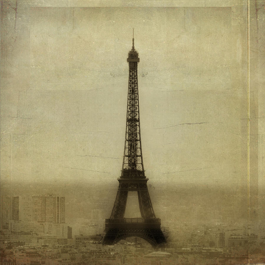 Eiffel Tower Photograph by David Henderson