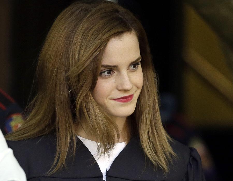 Emma Watson Digital Art - Emma Watson by Dorothy Binder